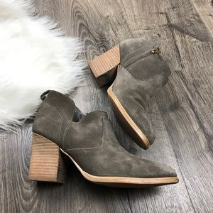 Marc Fisher Ginger pointed toe Chelsea boots suede